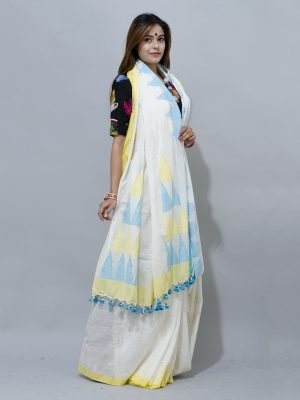 Draping a white khadi saree with yellow and blue ganga jamuna tample border saree